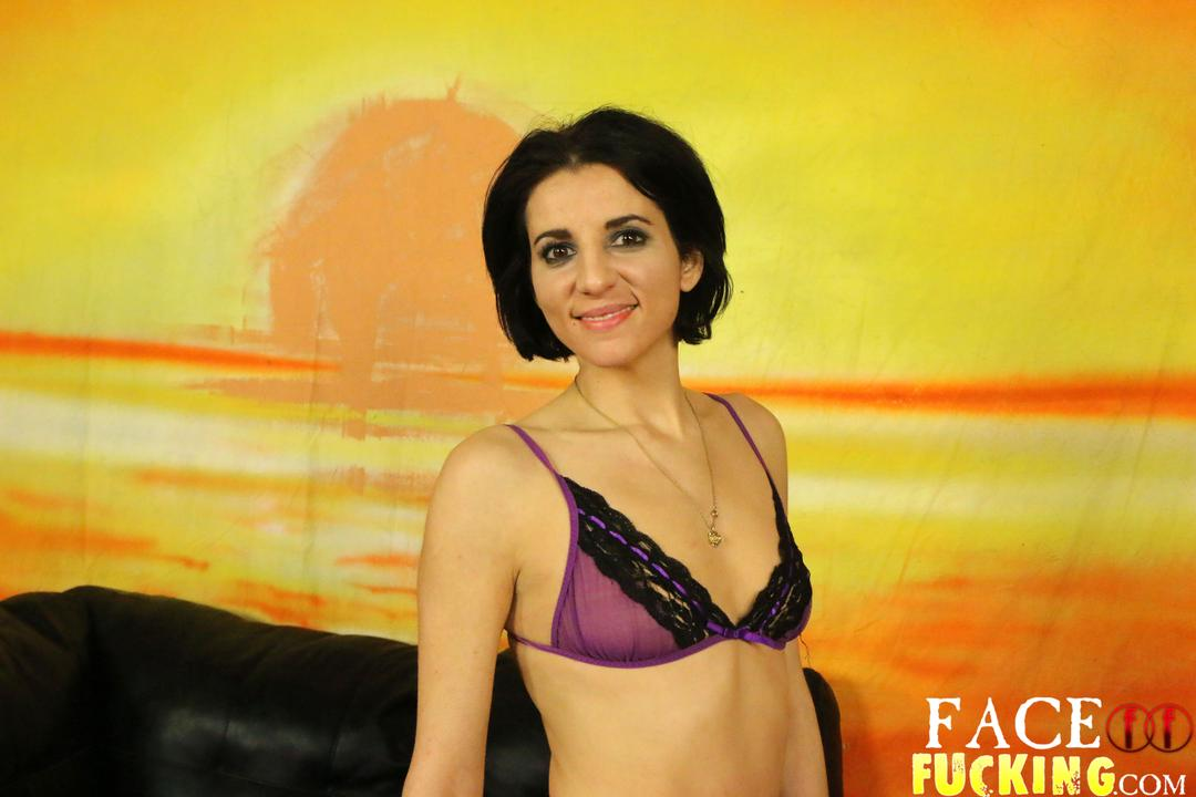 facefucking-natalie-ava-01