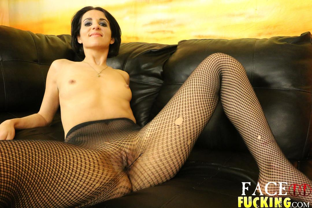 facefucking-natalie-ava-02