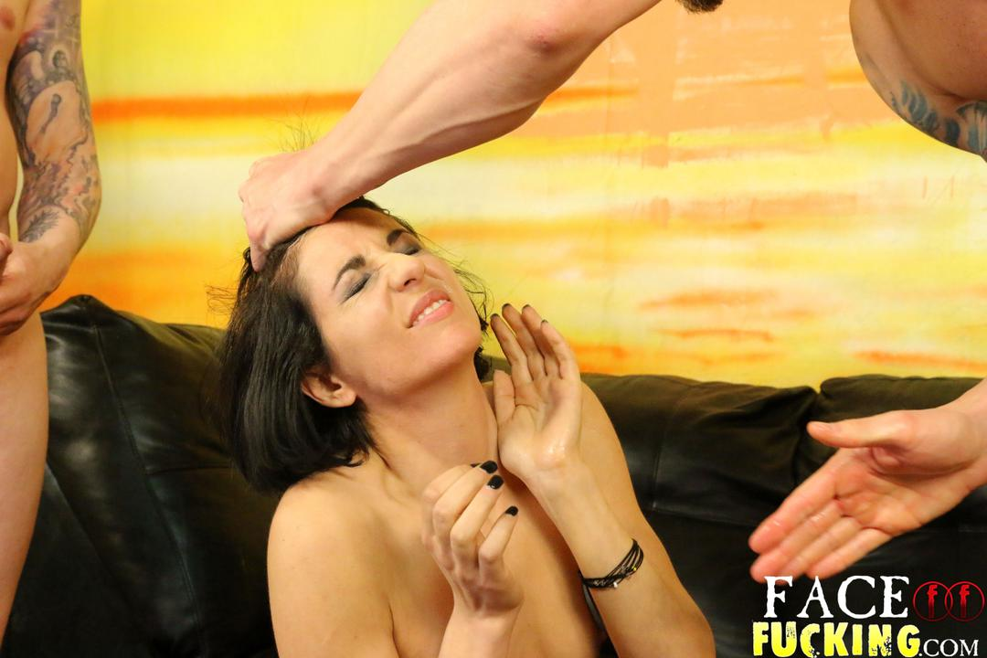 facefucking-natalie-ava-07