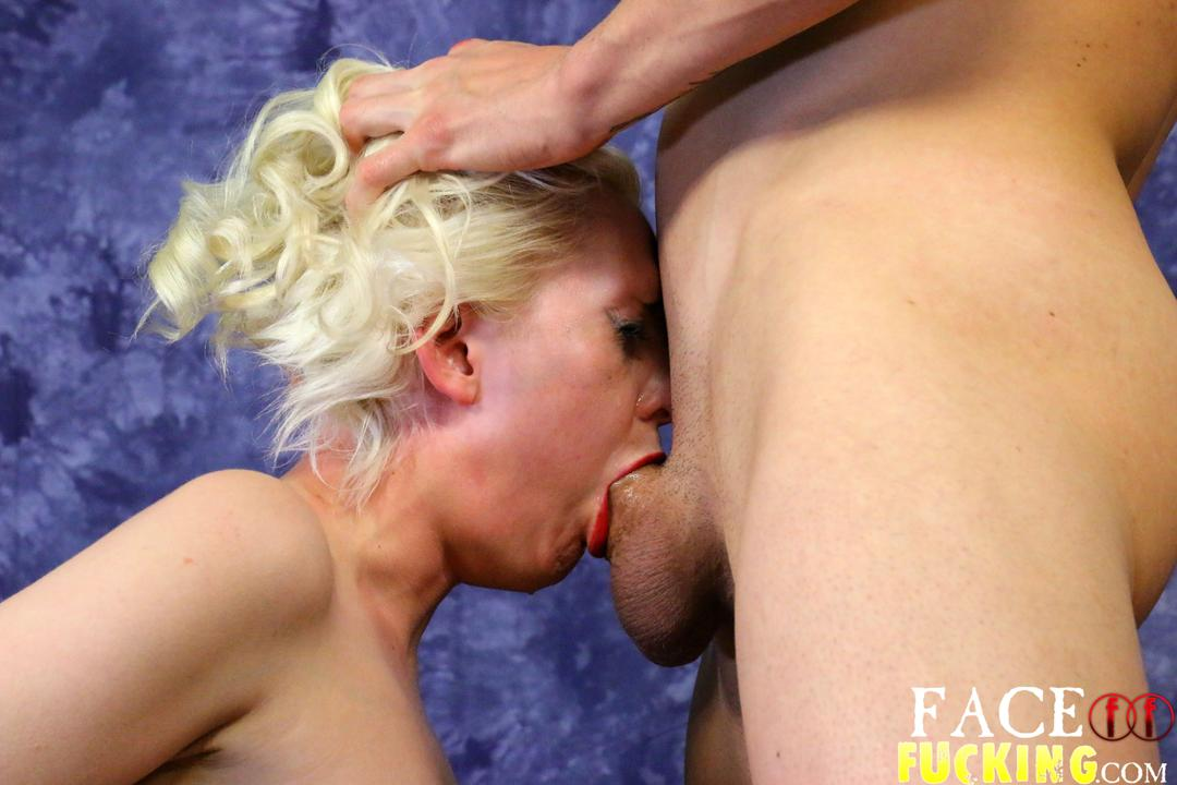 facefucking_lily_lovecraft_06