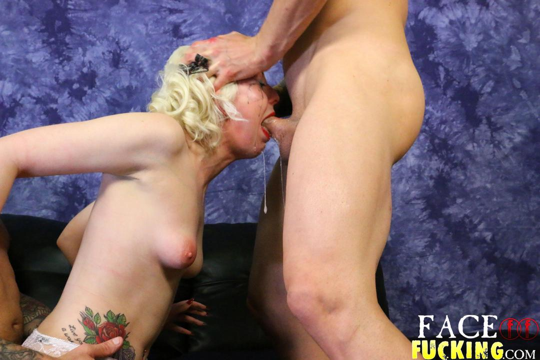 facefucking_lily_lovecraft_08
