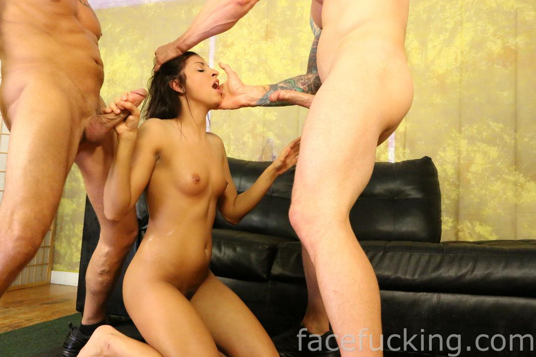 facefucking_roxy_rain_07