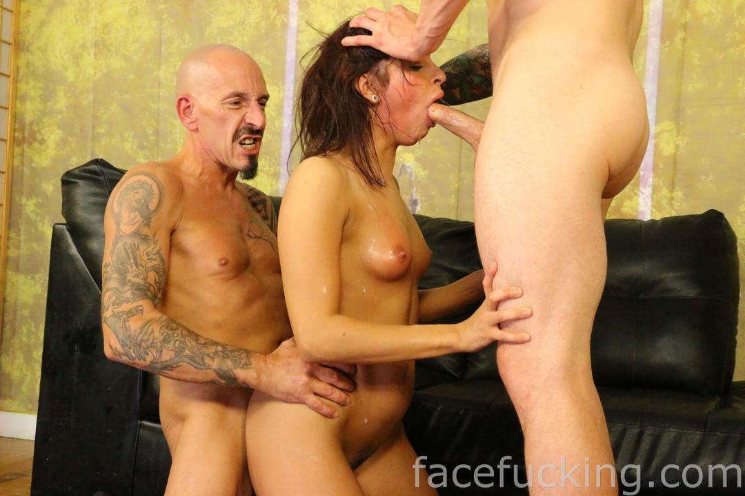 facefucking_roxy_rain_09