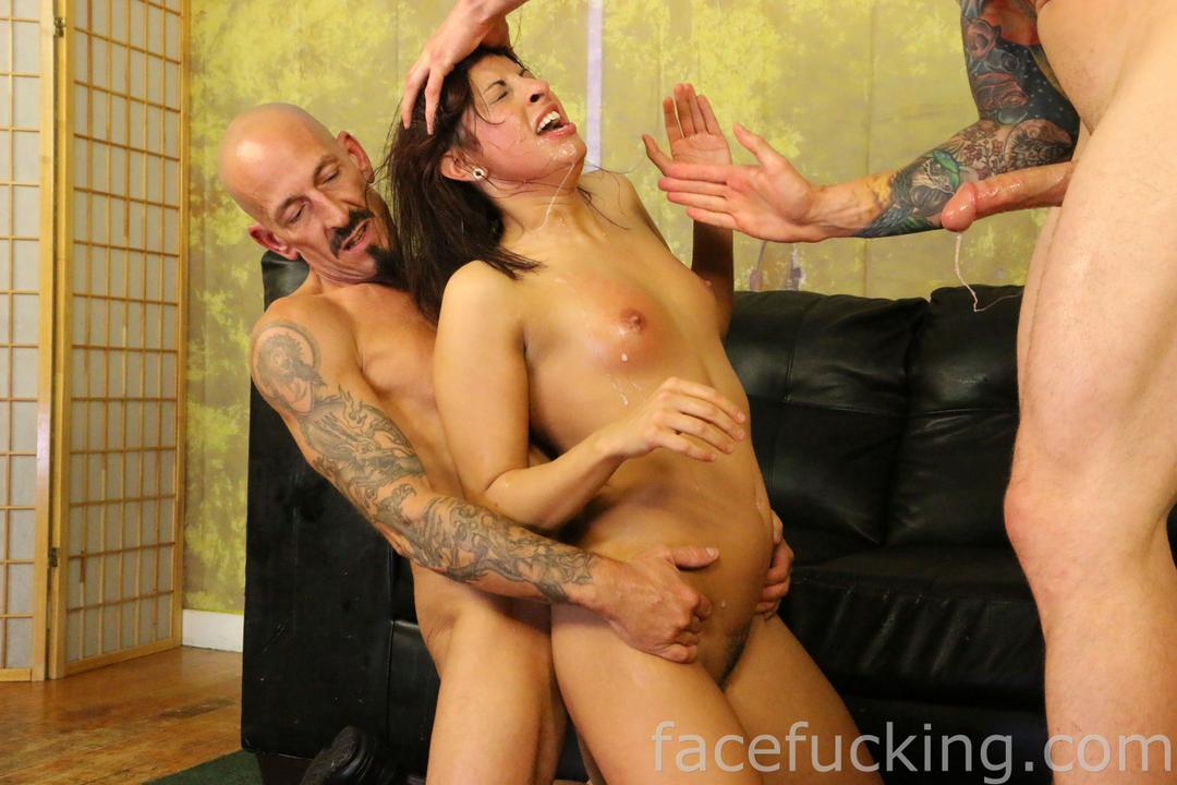 facefucking_roxy_rain_10
