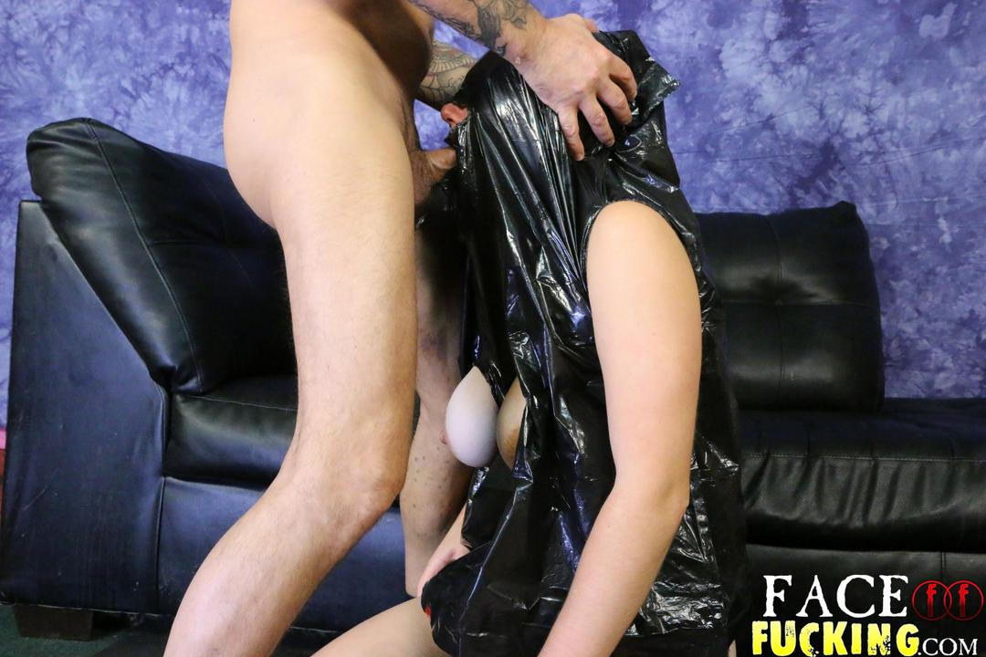 facefucking_taura_slade2_03