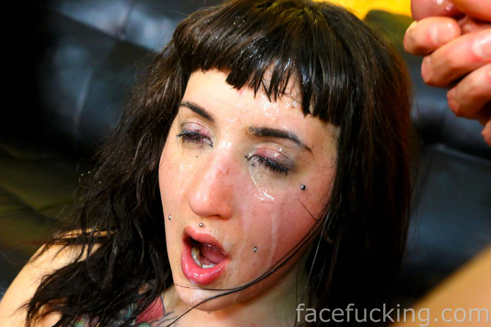 Face Fucking Camille Black